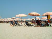 イタリアの海岸は砂浜
